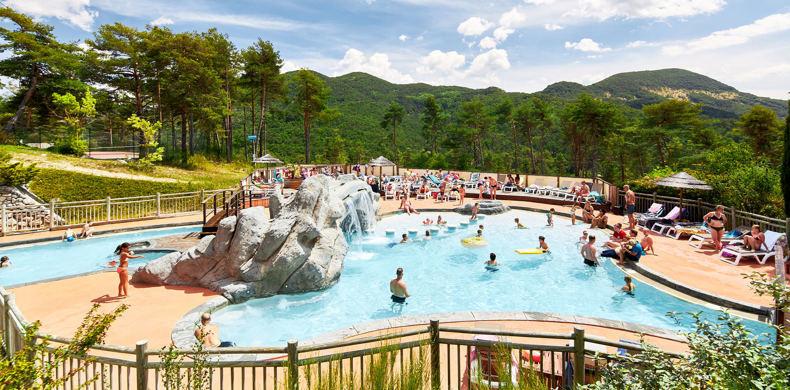 RCN-les-Collines-de-Castellane-camping-in-Verdon-zwembad (9)