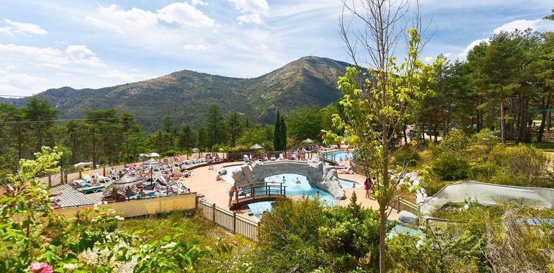 RCN-les-Collines-de-Castellane-camping-in-Verdon-zwembad (11)