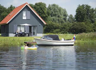 8p Haus am Wasser de Zomertaling