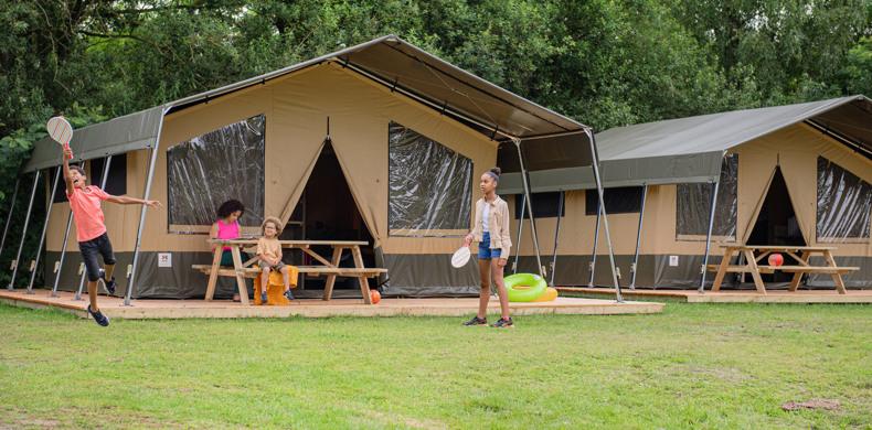 RCN-Zeewolde-vakantiepark-aan-het-Veluwemeer-Safaritent-de-Meeuw-exterieur (1)