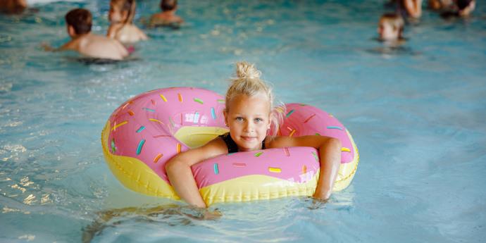 Schwimmen (max. 25 Personen)