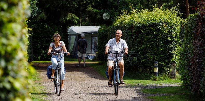 RCN-de-Jagerstee-fietsers-op-camping