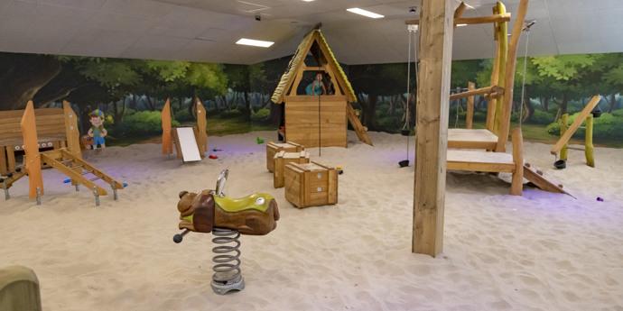 Overdekte speelplaats: Et Stoefzaand