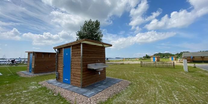 Kampeerplaatsen met privé sanitair