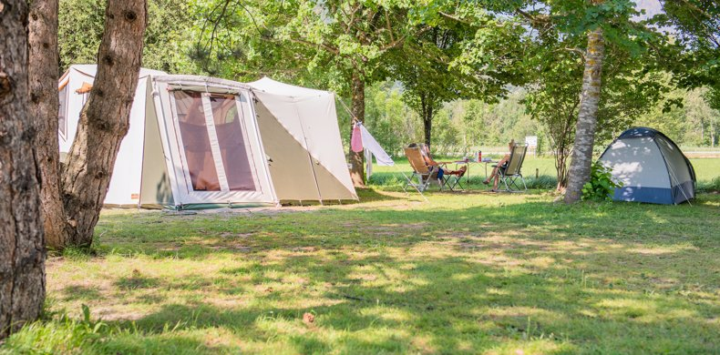 RCN-Belledonne-camping-in-de-Franse-Alpen-kamperen-tent