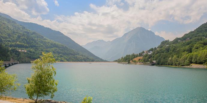 Aan de voet van de Alpe d'Huez