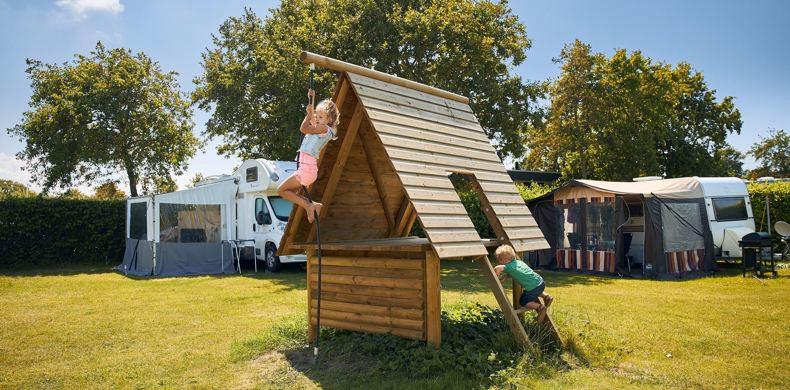 RCN-Toppershoedje-vakantiepark-in-Zuid-Holland-kampeerveld (2)